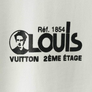 LOUIS VUITTON RED AND BLUE LOGO BADGE
