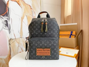 LOUIS VUITTON DISCOVERY BACKPACK - WLM180